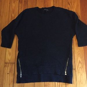 VGUC Banana Republic Factory navy sweater, XS